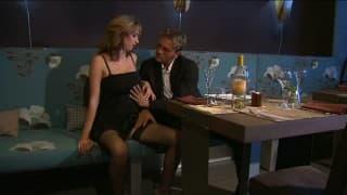 Kelnerka kompensuje klientoii kiepski obiad