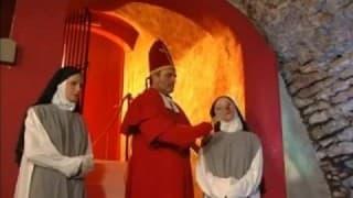 Książ pobłogosławił zakonnice swoją spermą.