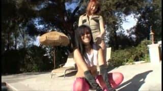 Delila Darling i Taisa Banx Two masturbują się