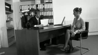 Sekretarka oskarżona o molestowanie w pracy