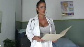 Carmella Bing wyleczy każdego kutasa