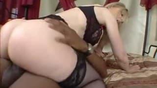 Nina Hartley potrzebuje masażu cipy