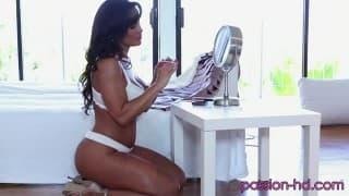 Lisa Ann-cycata brunetka z wielką dupą