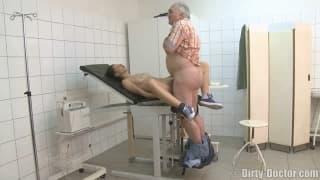 Wstydliwa młoda wyjebana u ginekologa