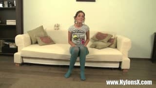 Nastolatka w rajstopkach wyjebana
