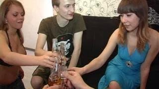 Typowa impreza przy wódce