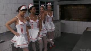 Transseksualne pielęgniarki w akcji