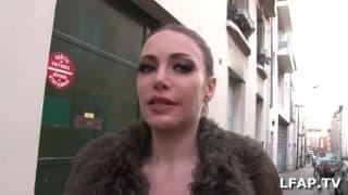 Francuska mamuśka obciąga fiuta