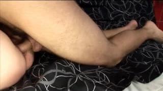 Dojrzały karzeł jebie młodego ogiera