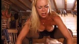 Mamuśka Angie wyjebana na ostro