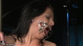 Albertina, aktorka porno lubiąca domiancję