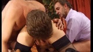 Lesley lubi się jebać z dwoma facetami na raz