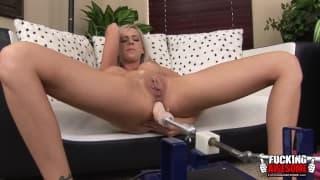 Kaylee Hitlon - podwójna masturbacja