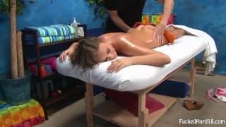 Alexis Adams - specjalny masaż pizdy