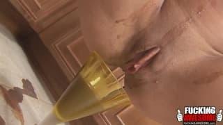 Kelly Wells - koktajl bananowy w dupie