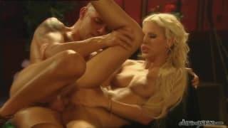 Boroka Bolls-seks w rzymskiej scenerii