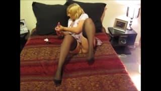 Seksowna blondynka w seksi filmiku