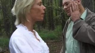 Blond milf posikała mu się prosto na twarz