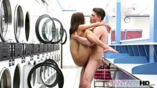 Dawson Presley bzykana w miejskiej pralnii