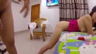 Amatorski filmik porno z gorącą Azjatką