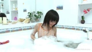 Sakari namydliła całe swoje nastoletnie ciało