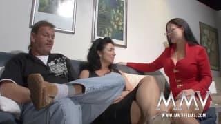 Seks terapeutka pomaga starszej parze