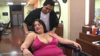 Brandy Ryder wyruchana w salonie fryzjerskim