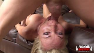 Lisa DeMarco lubi wkładać kutasa do ust