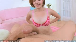 Ruda Kelsey Tyler robi laskę i łyka spermę