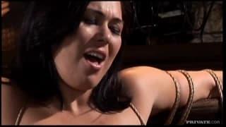 Ashley Blue - uwodzicielska brunetka