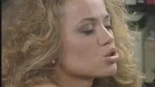 Blondynka obciąga kutasa na hiszpana
