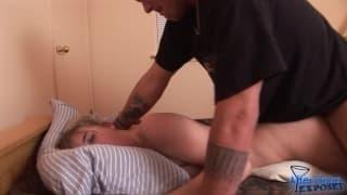 Blond dziwka na intensywnej sesji seksu