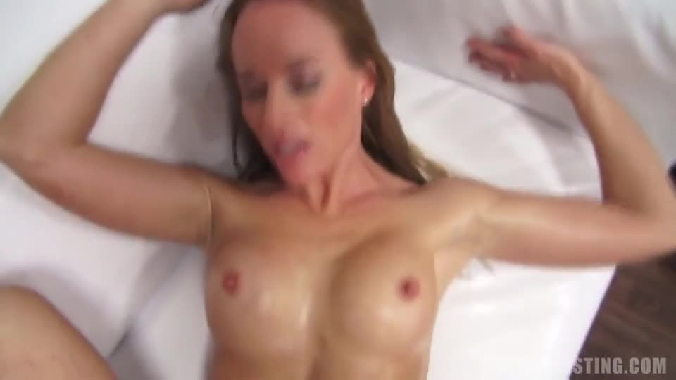 Duże cycki porno casting