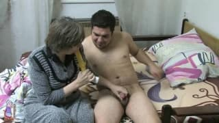 Babcia Dana zerżnięta młodym chujem!
