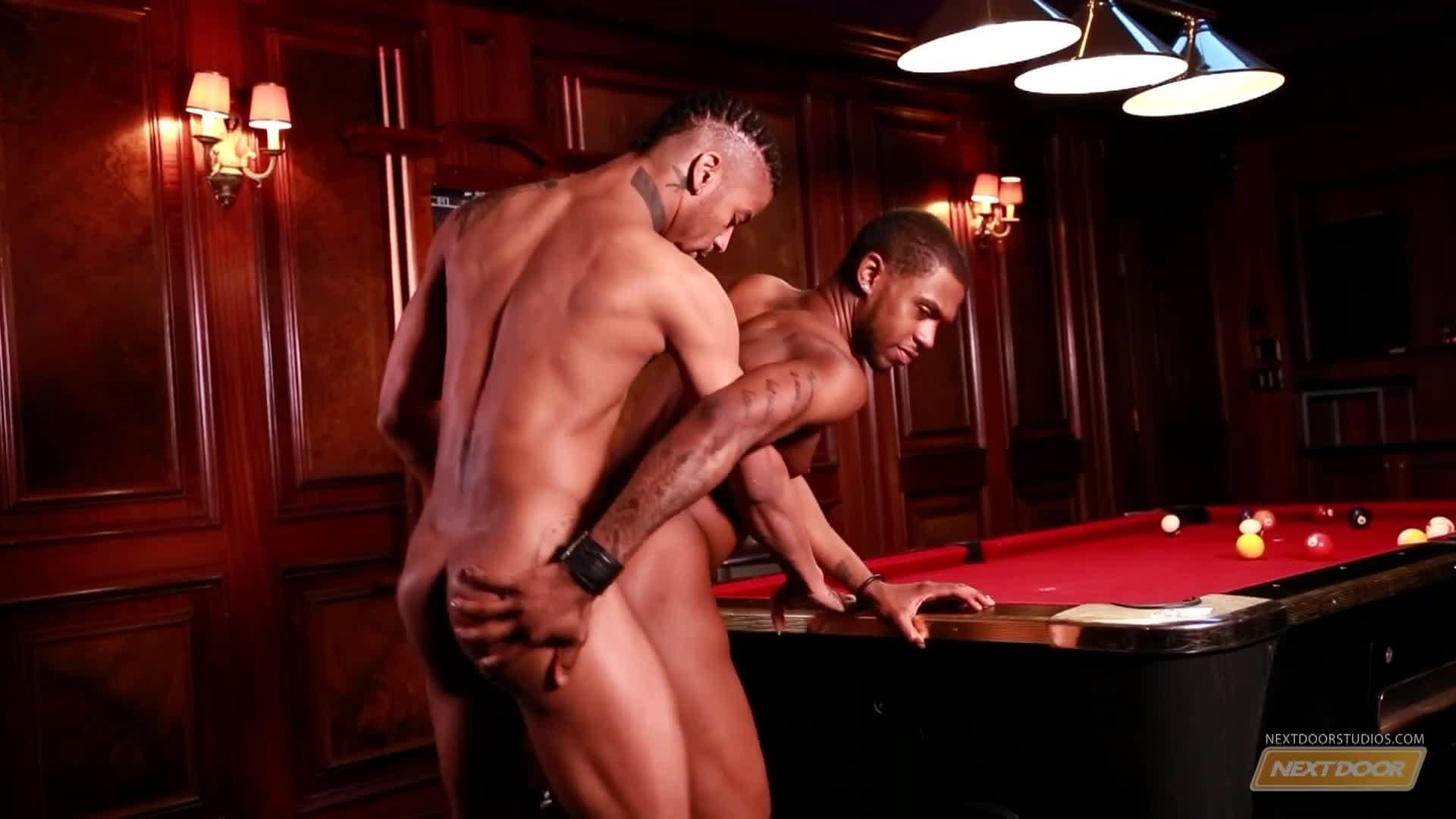 seks lesbijski w klubie