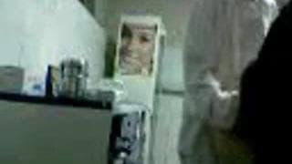 Arabka wyjebana od tyłu w laboratorium