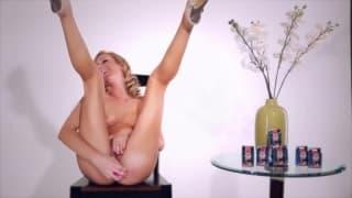 Brett Rossi - masturbacja przed kamerą