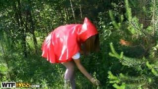 Czerwony Kapturek Madelyn na kutasie!