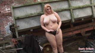 Raphaella Lily gotowa na pieszczoty!