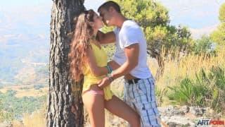 Agnessa i Juan - piękny seks w naturze