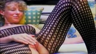 Masturbacja dojrzałej dziwki w body