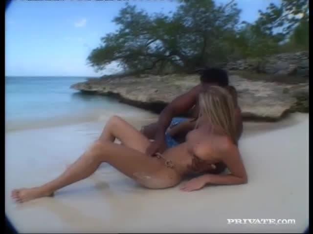 duże kutasy na plaży Julia Bond tryskać