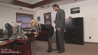 Nicole Aniston rżnie się z Rocco Reedem