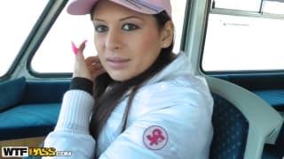 Alison Star poderwana na łodzi