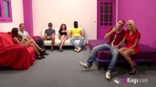 Orgia w różowym pokoju