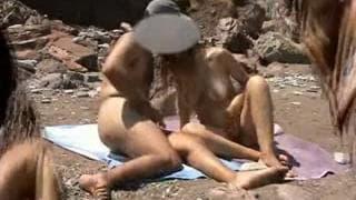 Gorąca parka i seks na gorącej plaży!