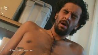 Chato Bear pokaże się nam w masturbacji