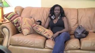 Jasmine chce spróbować seksu przed kamerą