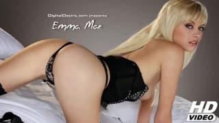Emma Mae w gorącej solowej scenie