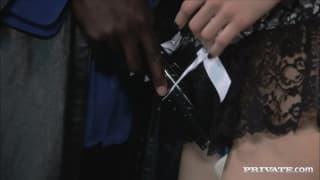 Sasha Grey z klamerkami na cyckach